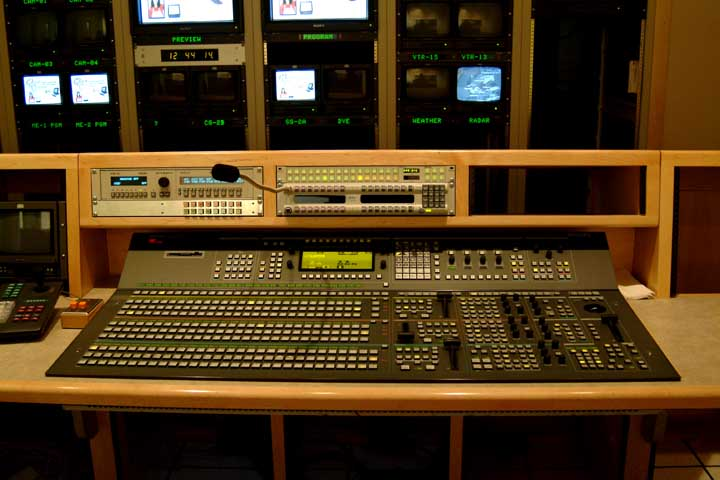 Flush Mounted SwitcherSwitcher ConsoleVideo Console Desk